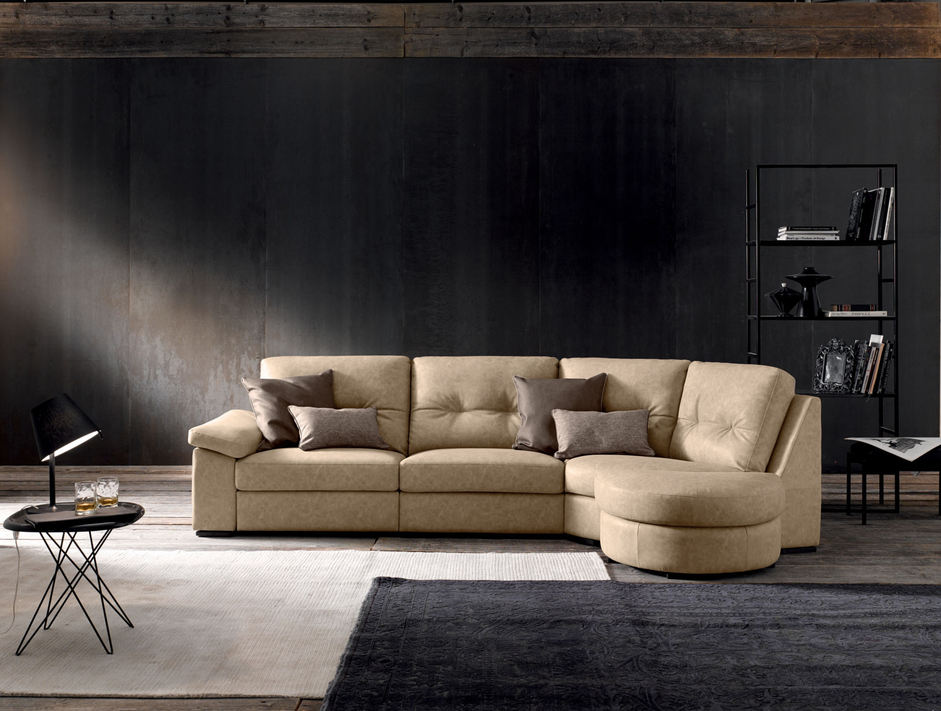 Trendy divani in pelle divani moderni e classici lecomfort for Divani in pelle classici